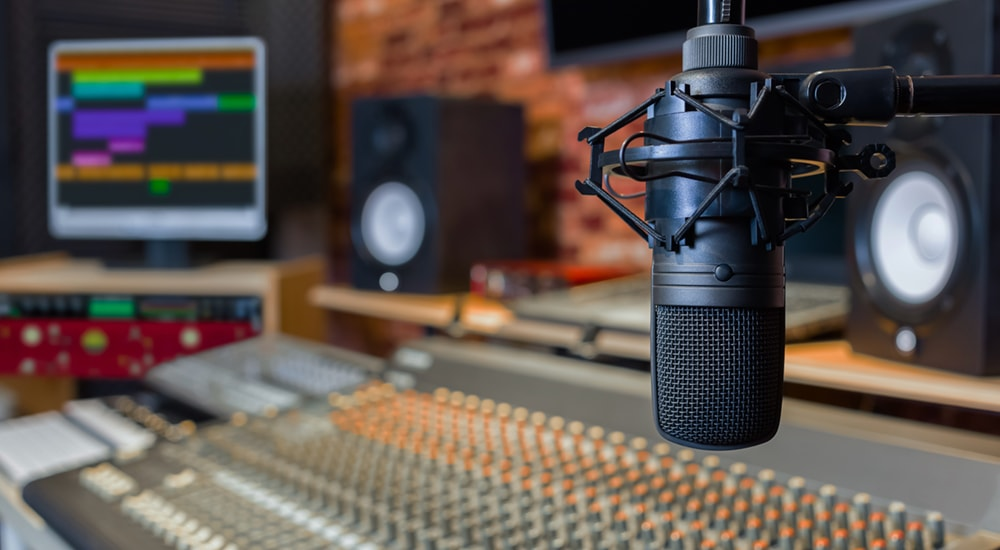 Buy a recording equipment - Tips for podcasting